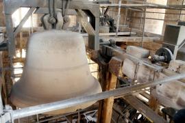 Patrimoni autoriza la limpieza de tres campanas de la Seu