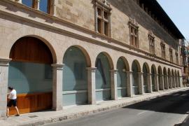 Los trabajadores del Arxiu del Regne suspenden la protesta