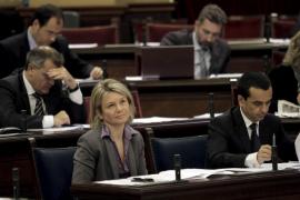 La oposición vuelve a pedir la dimisión de Riera «por  utilizar recursos públicos para la campaña del PP»