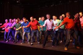 Mallorca Gay Men's Chorus y el coro Ciutat de Mallorca le cantan a la Navidad