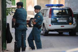 Dos detenidos por delitos de usurpación de estado civil y estafa bancaria