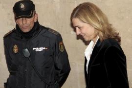 El juez Castro lleva a juicio a la Infanta