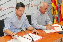 IBIZA - RAFA TRIGUERO Y VICENTE BUFI , FIRMAN UN CONVENIO.