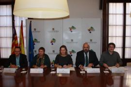 Turisme suscribe distintos convenios para proyectos en varios municipios