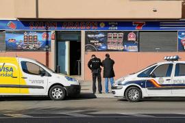 Un encapuchado asalta a punta de pistola un salón de juegos en Palma