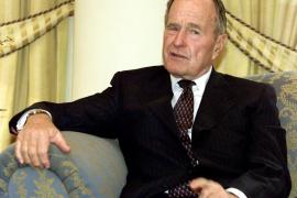 George Bush padre, hospitalizado por insuficiencia respiratoria