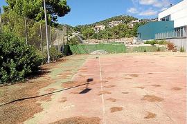 El PP de Son Servera critica el estado de las pistas exteriores del polideportivo de es Pinaró