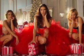 El 'Merry Christmas' más sensual de los ángeles de Victoria's Secret