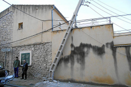Un accidente de tráfico deja sin luz a una veintena de casas de Lloseta