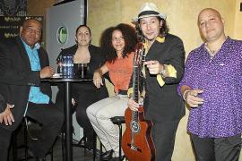 Fiesta de inauguración de Restomusic Pa'lante
