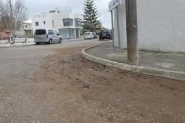 La Colònia de Sant Pere exige soluciones a la avalancha de lodo