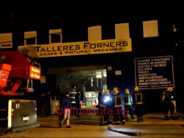 Se incendia un taller de chapa y pintura en Son Castelló