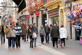 Buen ambiente de compras en Palma en el primer domingo comercial del año