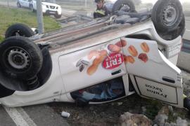 Un hombre, atrapado en su vehículo tras un accidente en la carretera Palma-Manacor