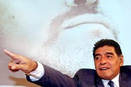 Maradona: «Messi y Cristiano se tomaron un descanso; Neuer es mi candidato»