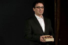 El escritor zamorano José C. Vales gana el premio Nadal