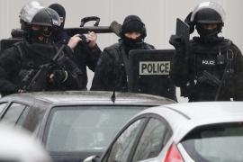 La búsqueda de los sospechosos se centra en el norte de París
