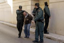 La mujer maltratada en sa Pobla denuncia al policía que la salvó