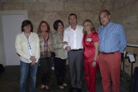 Gran verbena solidaria del Club Elsa en el Pueblo Español