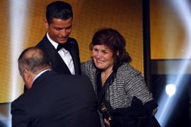 Cristiano Ronaldo y su madre, Maria Dolores dos Santos Aveiro