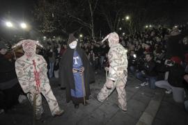 El 'primer ball dels dimonis' enciende la semana grande de Manacor