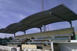 cubierta en el campo de fútbol de ses salines