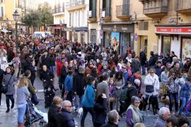 Centenares de personas participan en las tradicionales 'beneïdes' de Palma
