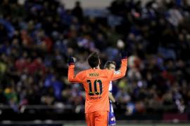 El Barcelona se apoya en la inspiración de Messi para golear al Depor