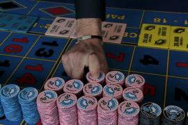 Cort avisa que no cambiará la normativa urbanística para el casino