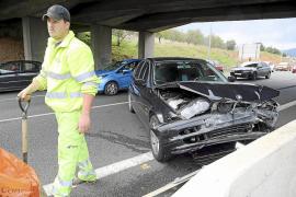 Retenciones kilométricas por un accidente en la vía de cintura