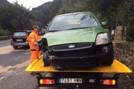 Pierde el control de su vehículo y se estampa contra un muro en la carretera de Sóller