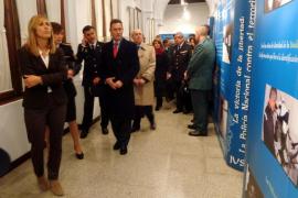 Palmer inaugura la exposición 'La victoria de la libertad: la Policía Nacional contra el terrorismo'
