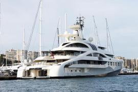 El ultralujoso 'Palladium' atraca en el Club de Mar Mallorca