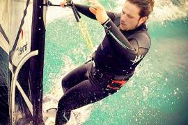 Muere el windsurfista que fue rescatado inconsciente en Alcúdia