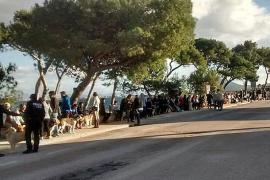 Un centenar de personas clama contra el envenenamiento de mascotas