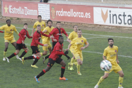 El Mallorca B empata con el Olot en Son Bibiloni