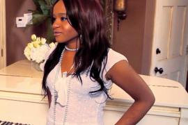 La hija de Whitney Houston aparece inconsciente en la bañera