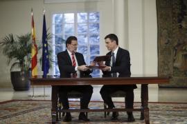 Rajoy y Sánchez ratifican su primer pacto de Estado