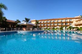 La familia Porto inicia su expansión con el objetivo de crear una cadena hotelera