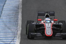 El McLaren de Alonso aguanta 32 vueltas en Jerez para marcar el peor tiempo