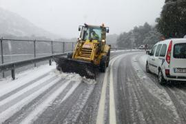 Bajas temperaturas, lluvias, nieve y carreteras cortadas en la Serra