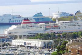Baleària quiere comprar Trasmediterránea para ser más competitiva