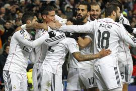 El Real Madrid vence al Sevilla y aumenta su ventaja en la Liga