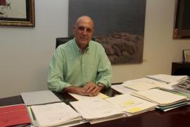 La Assemblea de Docents denuncia a Estarellas por incompatibilidad