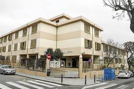 Condena de cárcel por insultar y agredir a la directora del colegio de sus hijos