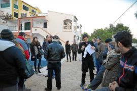 Los vecinos de los apartamentos Parasol recuperan el suministro eléctrico