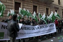 Unas 200 personas se manifiestan contra los baremos de la bolsa única