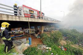 La policía controla que no haya menores en los asentamientos de chabolas