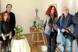 Familiares de la artista Ana Vidal le rinden homenaje ante su obra olvidada