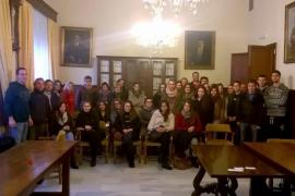 El Ajuntament de Santanyí entrega nuevas becas para el transporte